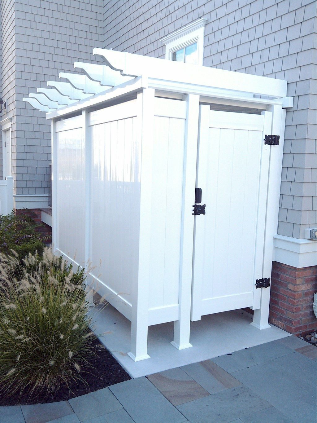 Outdoors Shower Concepts To Discover Outdoor Pool Bathroom Outdoor Bathrooms Outdoor Shower Enclosure