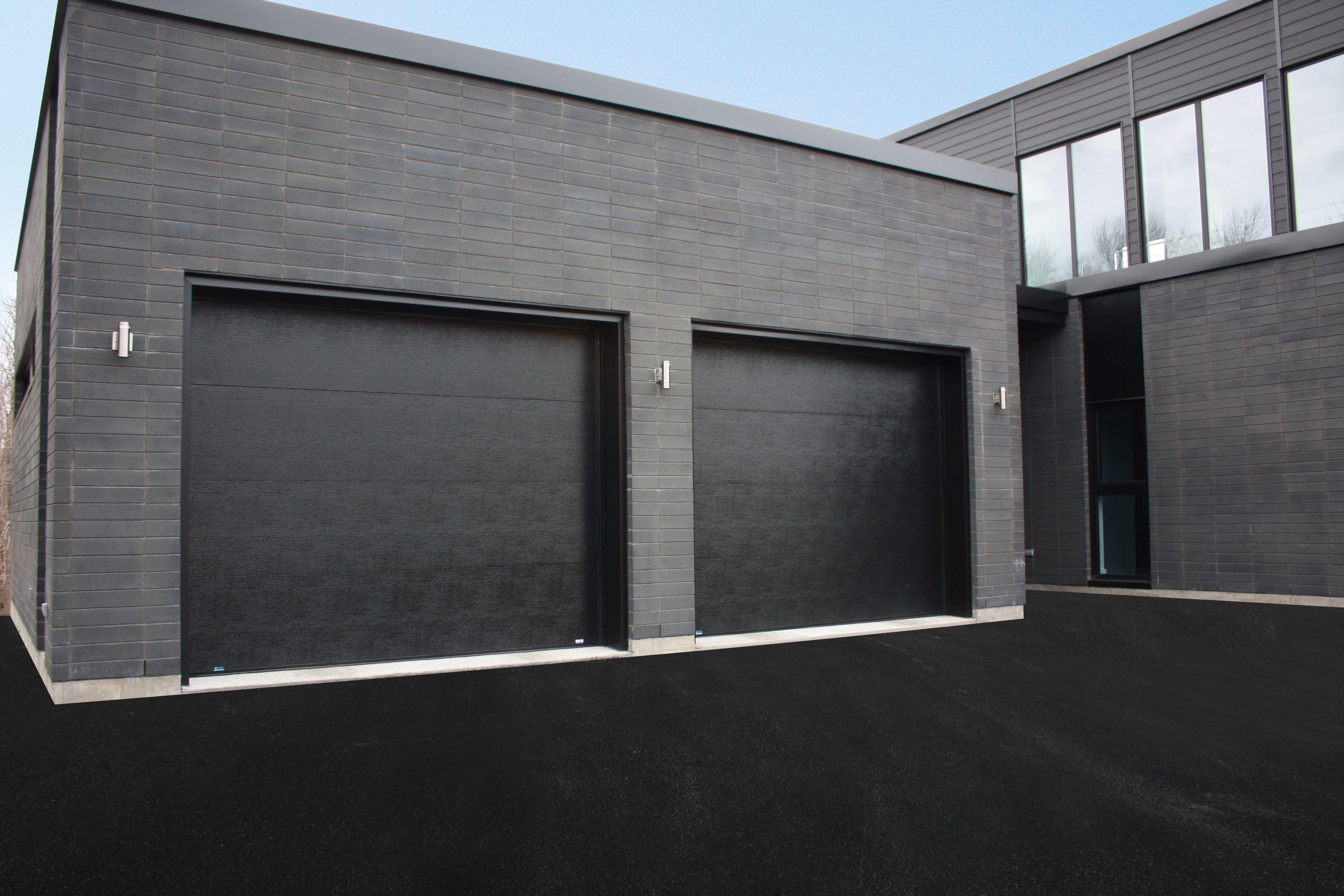 Portes de garage garex mod le urbaine couleur noir for Porte de garage fame avis