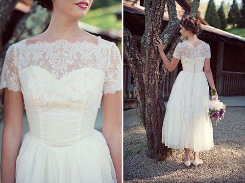 thousandfurs:    (via Vintage Wedding Dress Inspiration / Green Wedding Shoes Wedding Blog / Wedding Trends for Stylish Creative Brides on imgfave)      So pretty!