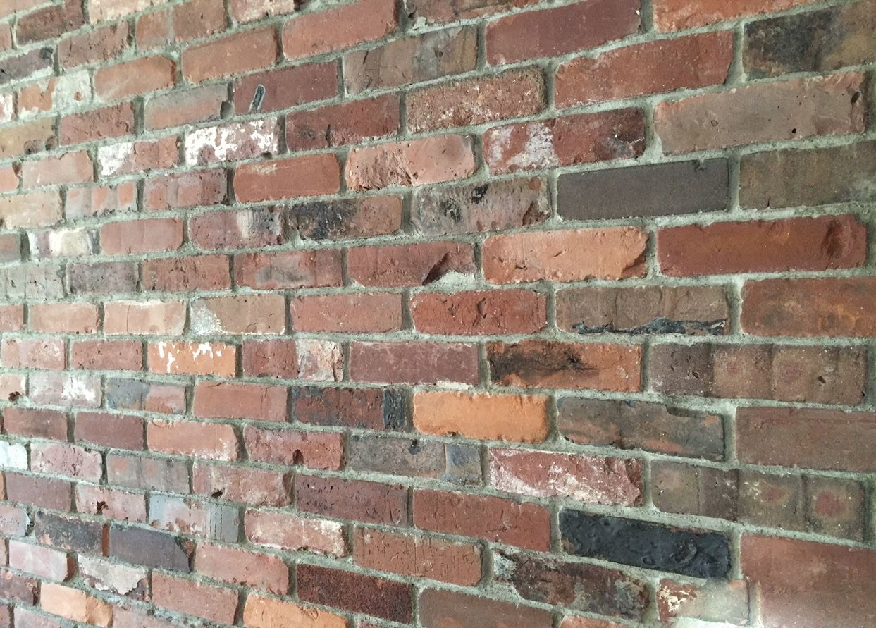 Reclaimed Thin Brick Veneer Backsplash Interior