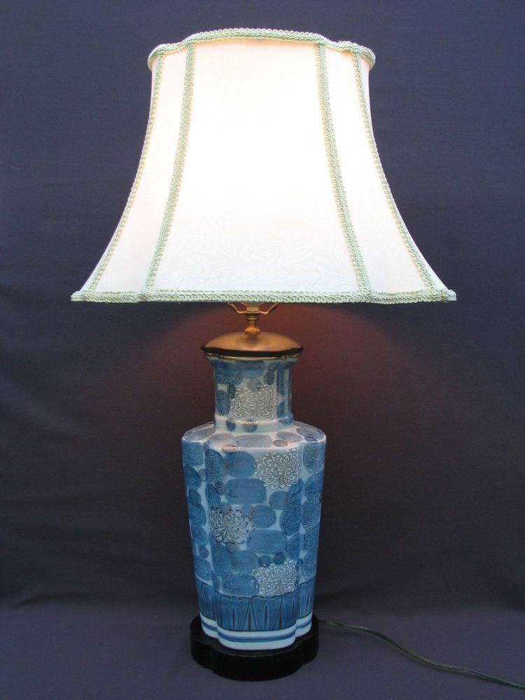 Vintage Japanese Kutani Blue White Chrysanthemum Vase Table Lamp