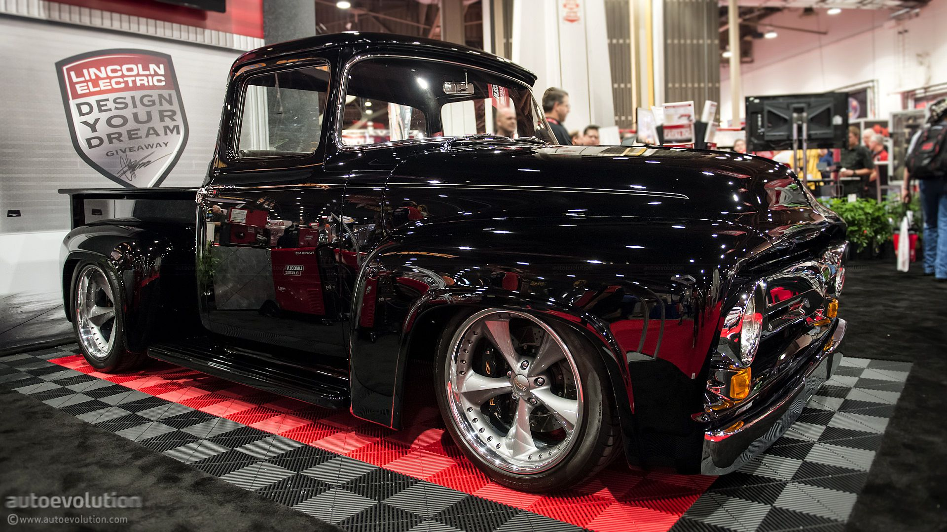 Chip Foose S 1956 Ford F 100 Photo 3 Foose Ford Pickup Trucks 1956 Ford