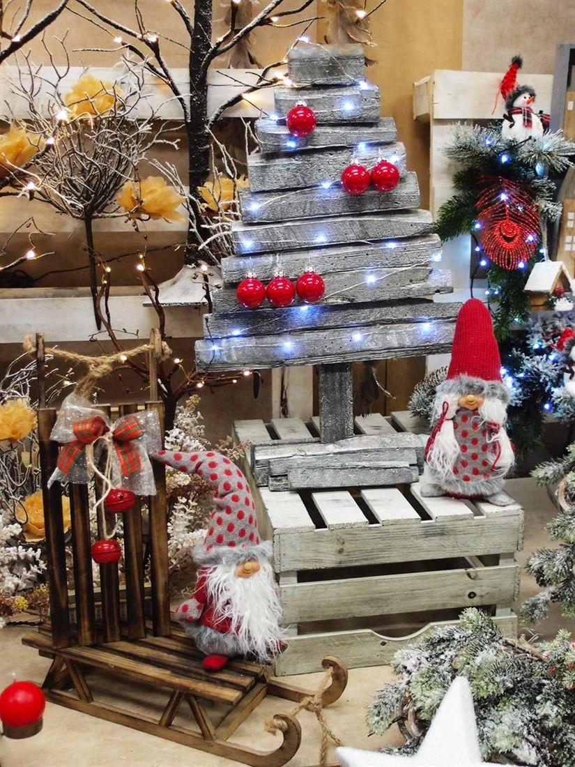 Idee Creative Per Natale cassette in legno, albero di natale stilizzato in legno
