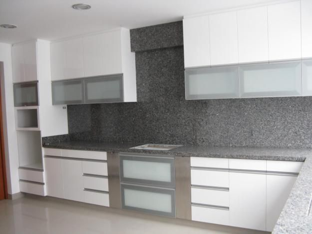 Muebles modernos amoblamientos de cocina pinterest for Amoblamientos de cocina modernos