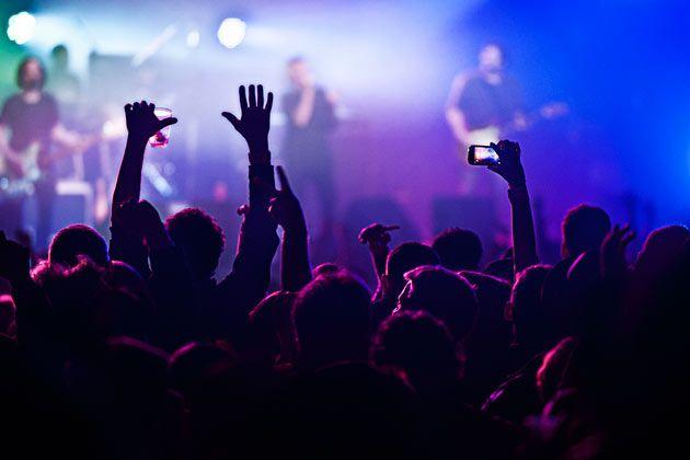 A febbraio non abbiamo scherzato di certo, ma anche marzo si annuncia come un mese molto impegnativo sul fronte live! Praticamente un concerto al giorno per i più appassionati e i più intrepidi. Abbiamo quindi selezionato dal calendario di Metallus.it i migliori concerti e tour metal e hard rock del mese in arrivo. Noi non ce ne perderemo uno!