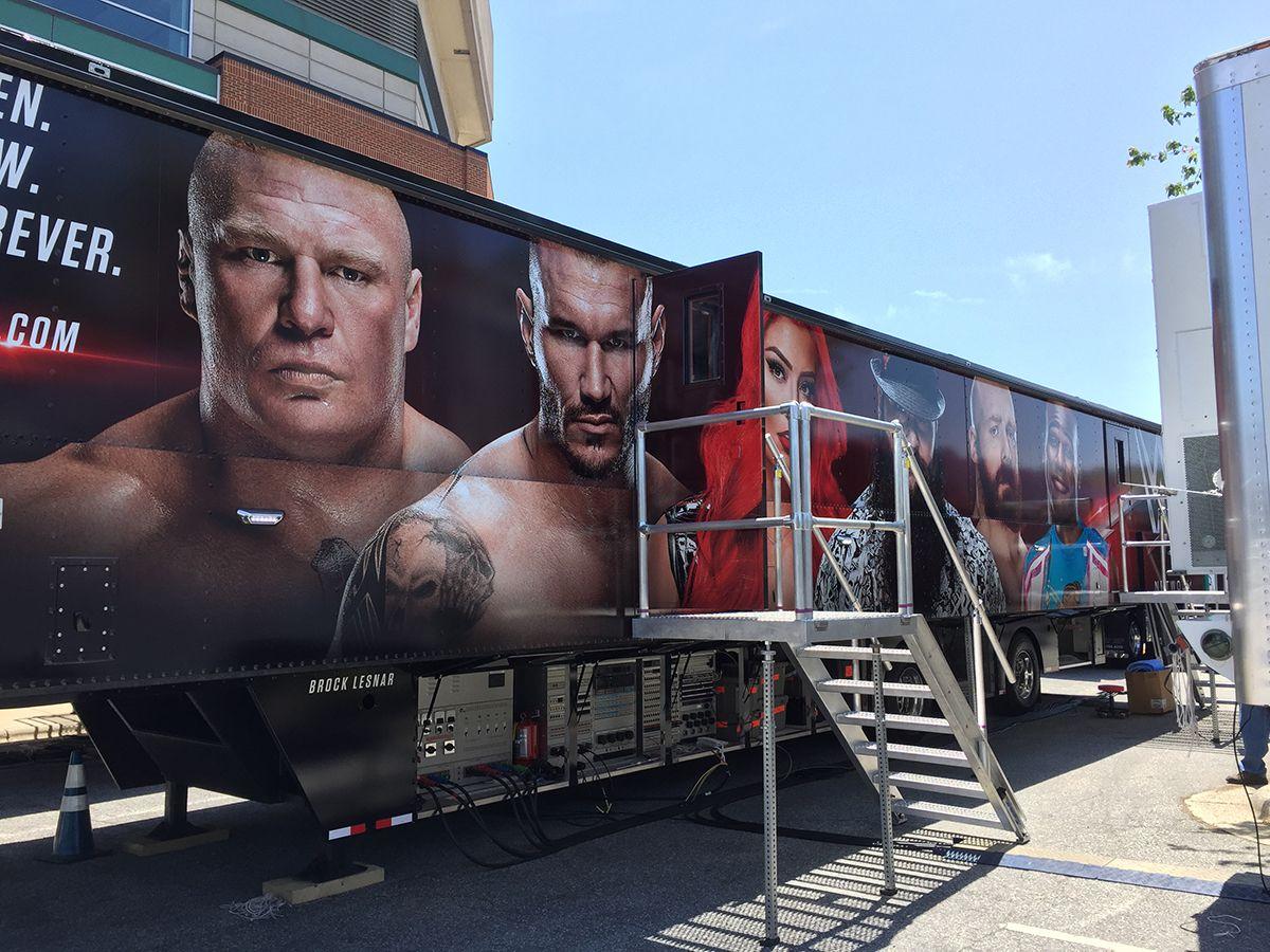 Nueva unidad móvil con doble expando para la WWE