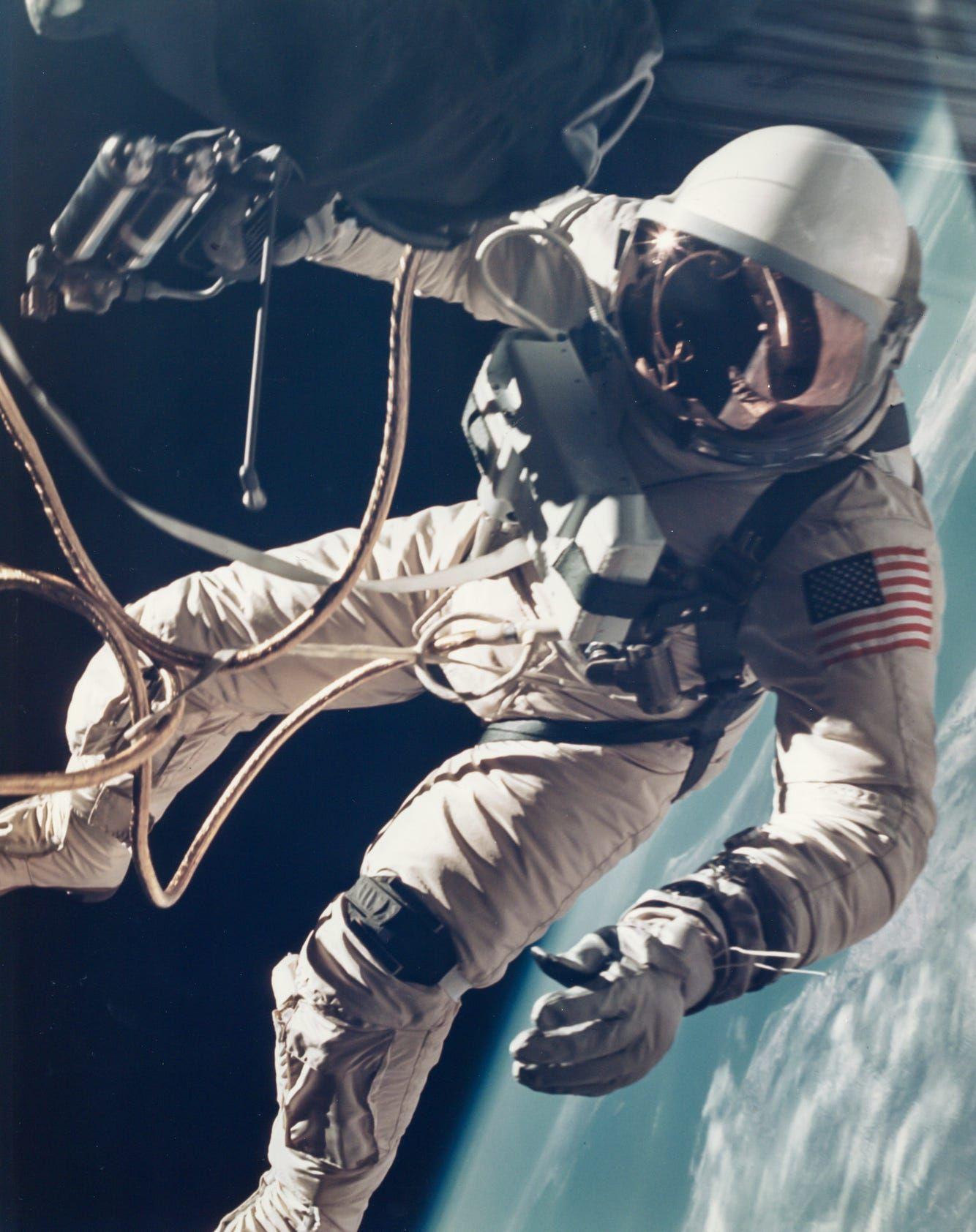 21 beautiful, vintage photographs of NASA's glory days ...
