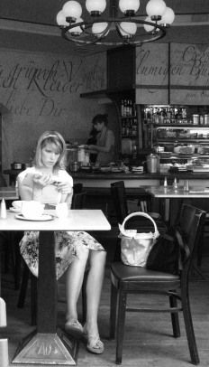 Bertie Plaatsman - Girl in Cafe - 2009