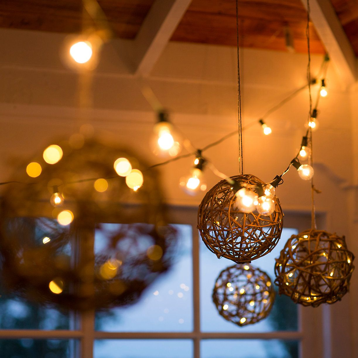 Christmas decorations for large indoor spaces - Illuminated Vine Sphere