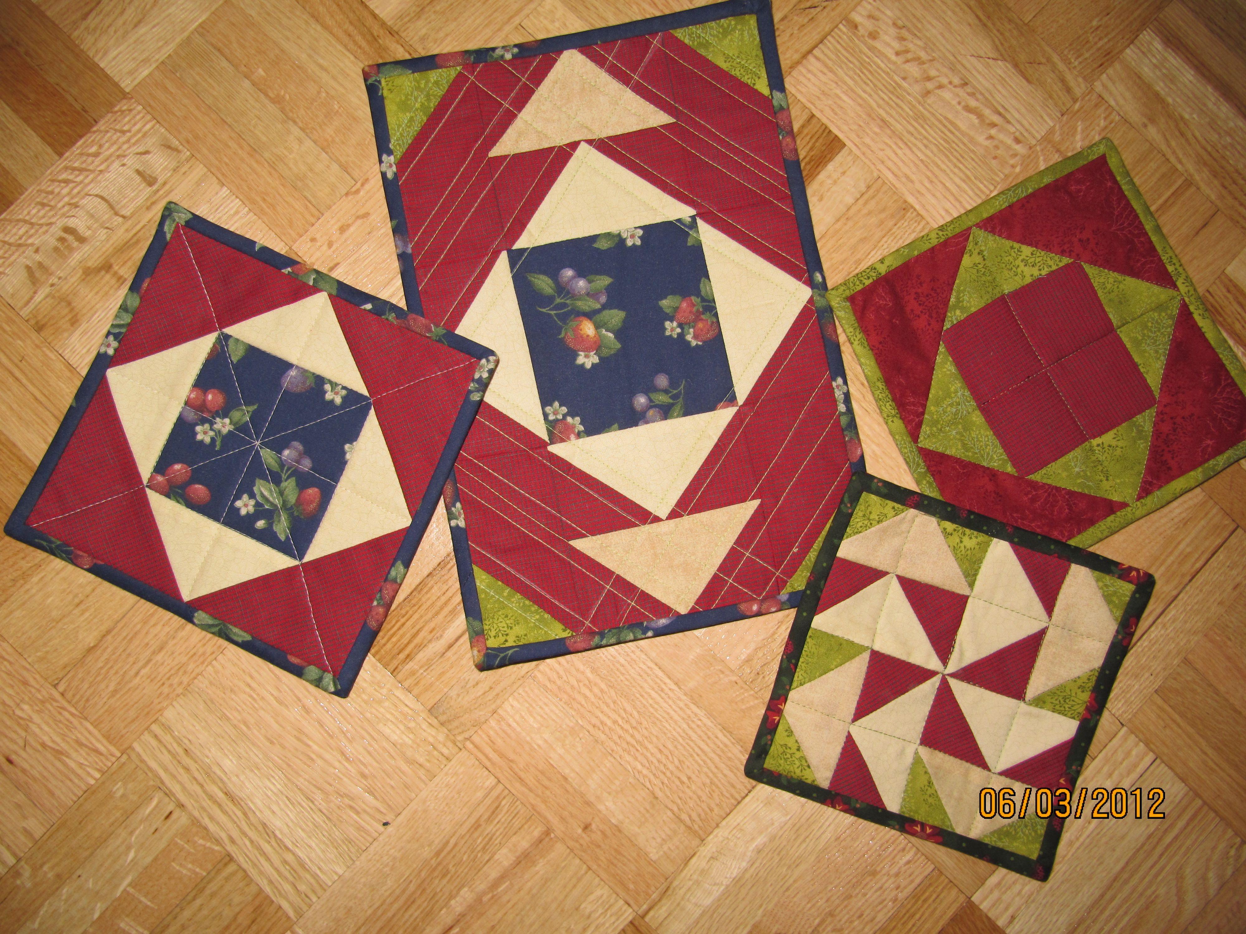 Petits sous-plats pour pratiquer des blocs traditionnels.  Mai 2012.
