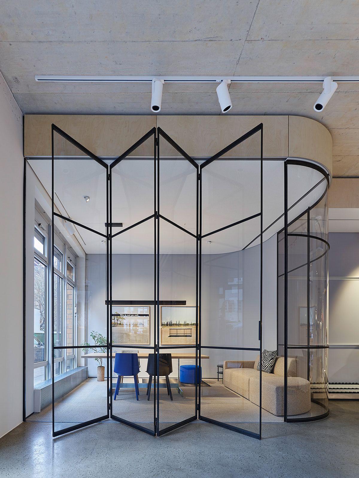 Showcase UnternehmenForm on Behance   Corporate office design ...