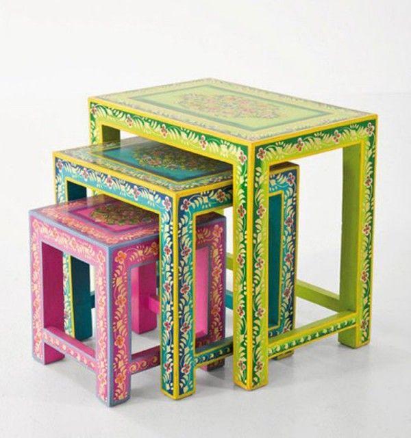 Colorful Ibiza Furniture Collection By Kare Design Des Meubles Colores Meubles Peints A La Main Table D Appoint