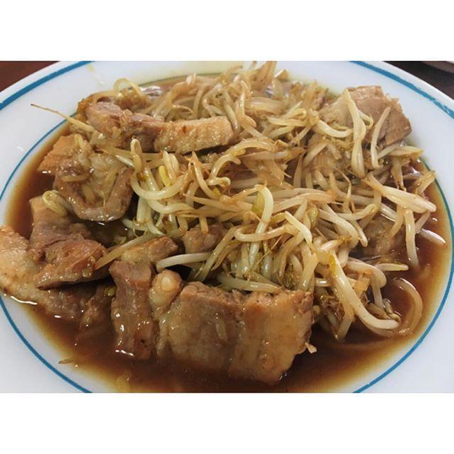 WEBSTA @ hyoni_cooking - 유리랑 냠냠~>_< 맛있당~삼겹살 숙주볶음 .#삼겹살숙주볶음 #요리 #한식 #cooking #냠냠