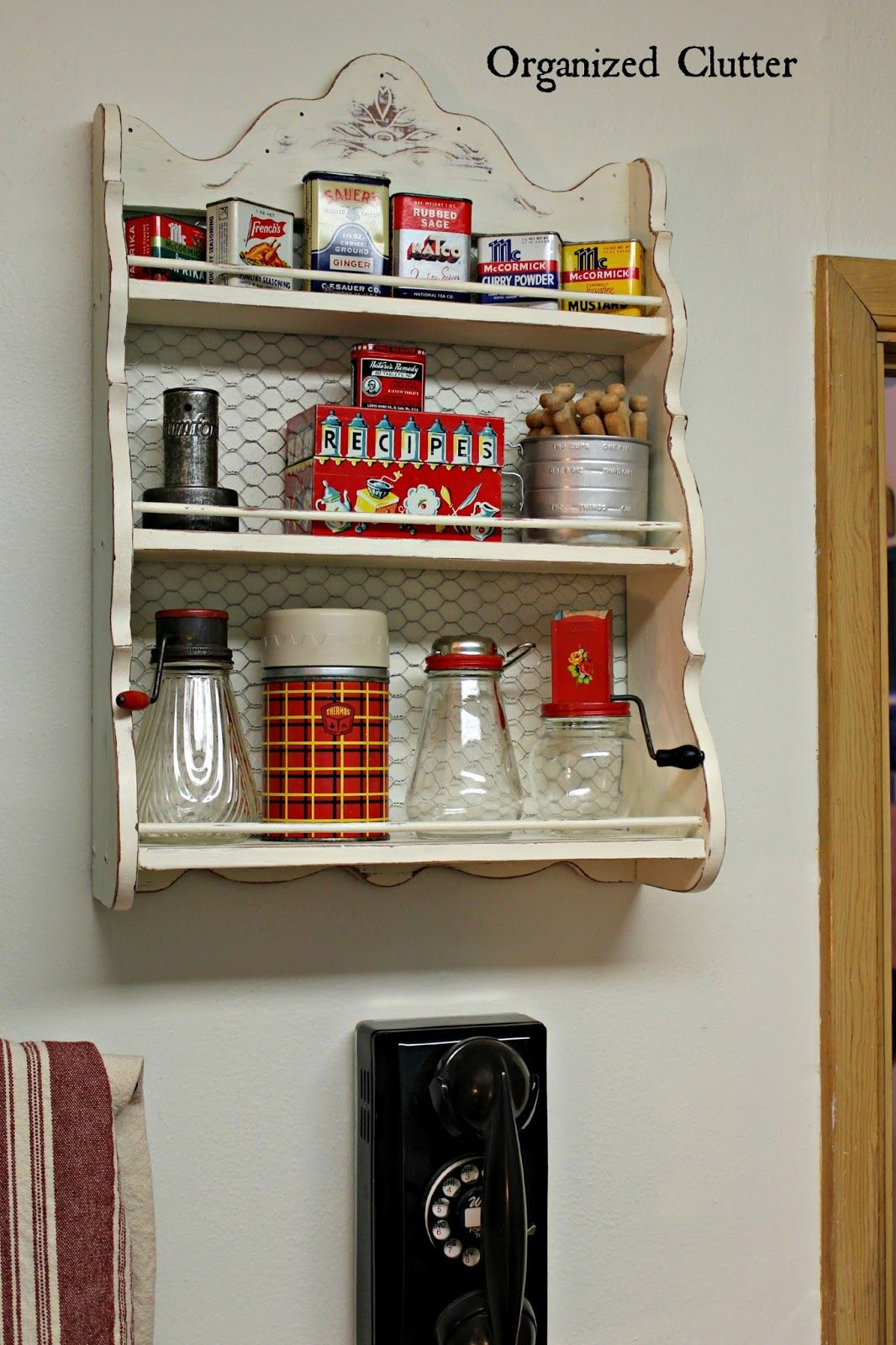 Easy projects ideas for a farmhouse kitchen spice rack