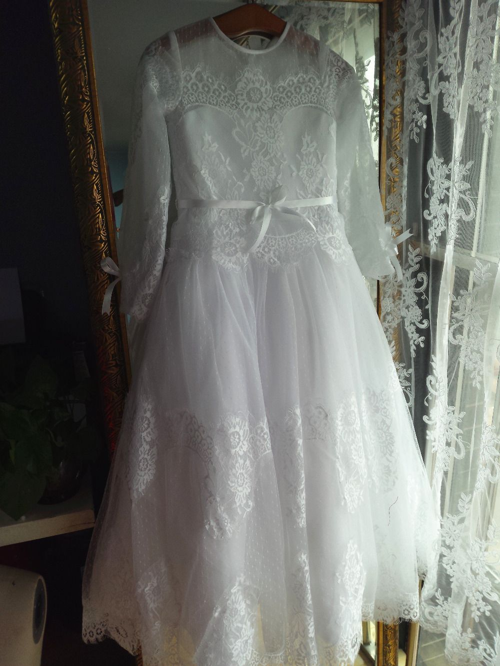 O neck long sleves floor length lace flower girl dress junior bride