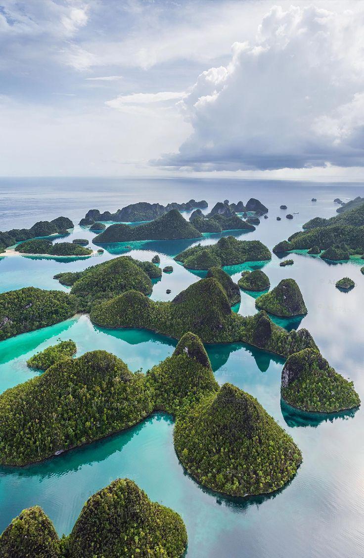 Archipelago Wayag, Raja Ampat #rajaampat #indonesia #southeastasia #asia #travelasia #island