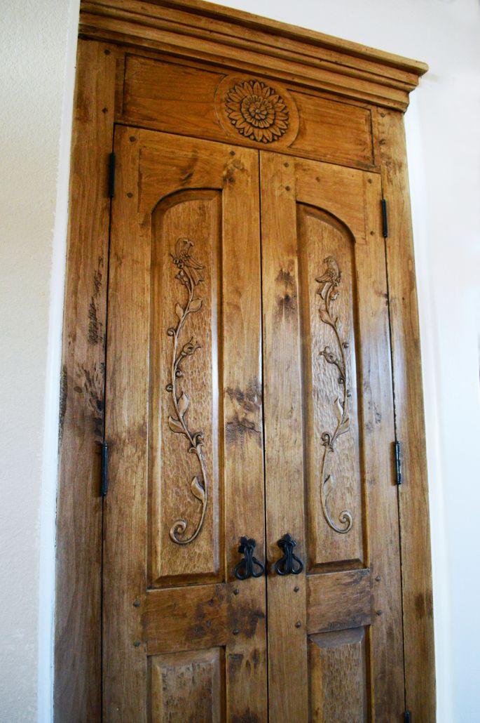 humming-bird-cabinet