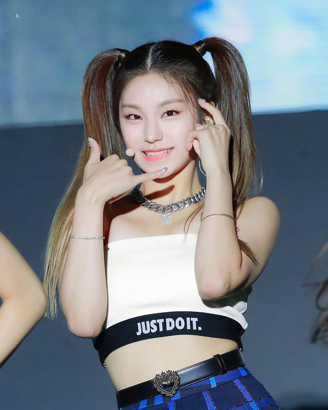 Name One Of Your Fav Kpop Idol You Can T Mention An Itzy Member Women Kpop Fashion Itzy