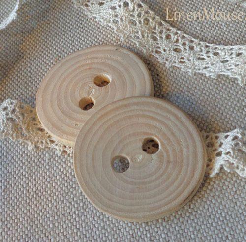 DUŻE GUZIKI DREWNIANE PLASTRY AKACJI 5cm HAND MADE w LinenMouse na DaWanda.com