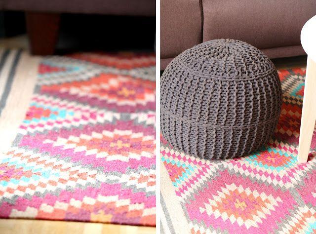 Tulpentag Wohn Und Esszimmer Umgestaltung Teppich Boho Pouf Bunt