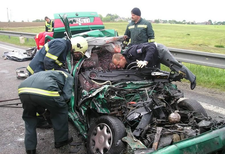 effects of road accidents Purchase the effect of vehicle characteristics on road accidents - 1st edition print book & e-book isbn 9780080189635, 9781483157474.