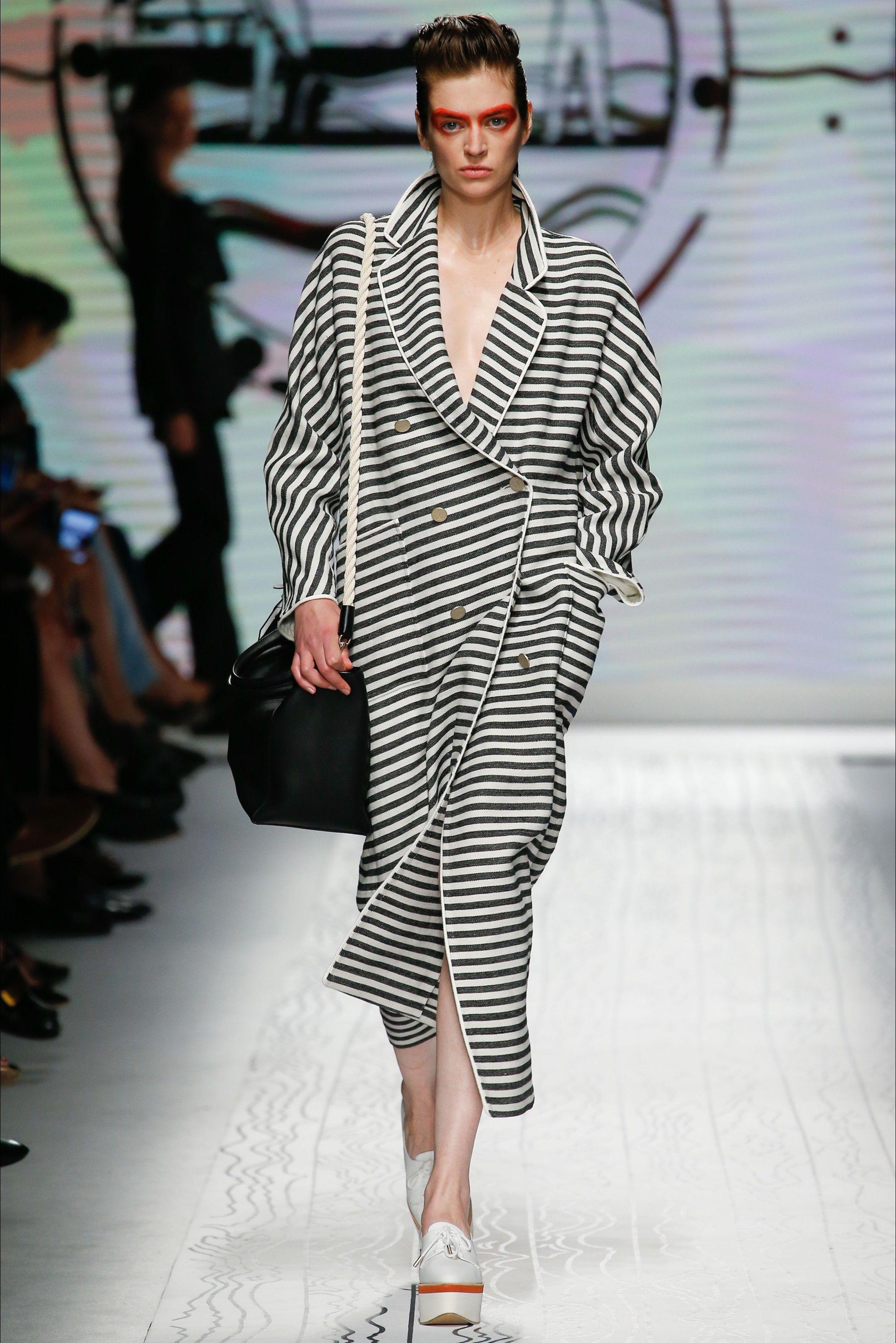 Sfilata Max Mara New York Pre Collezioni Primavera Estate 2014 Vogue fd2859196cfb