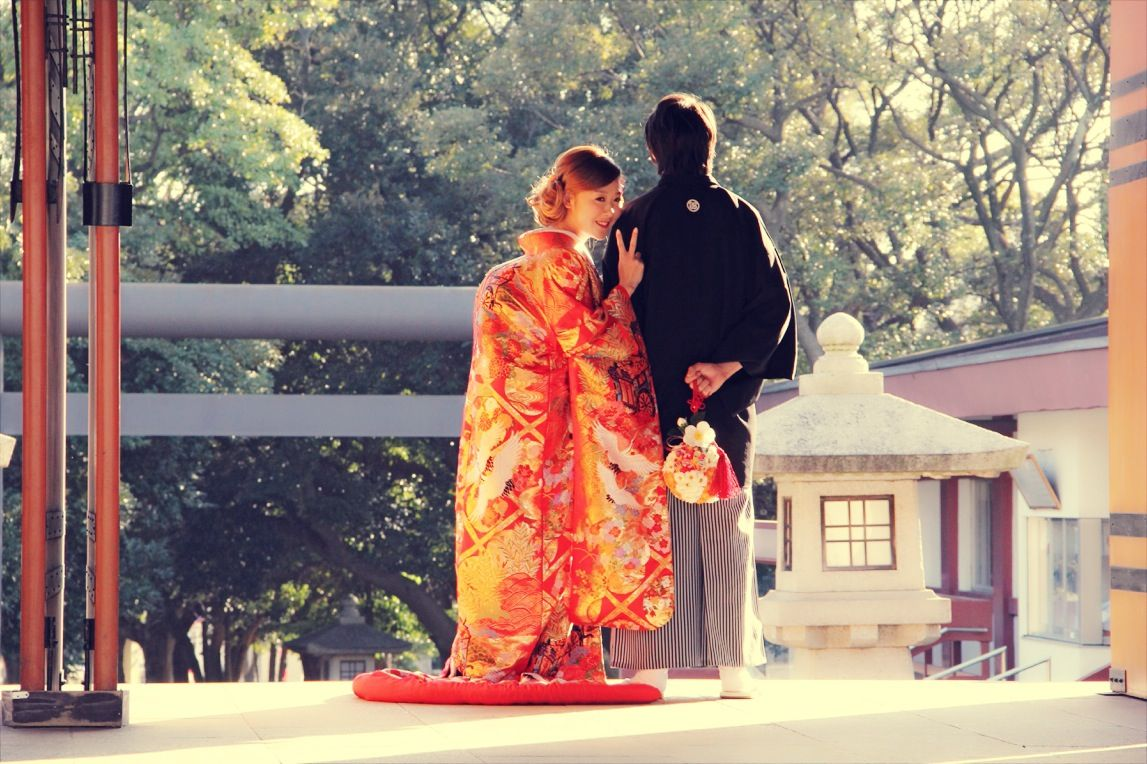 "Japanese wedding ceremonies   There are several types of bride's kimono by ""Wasou"".   Irouchikake This style involves wearning a colorful uchikake (kimono) that is embroidered and patterned. Iro uchikake is appropriate to for a gorgeous and a happy day."