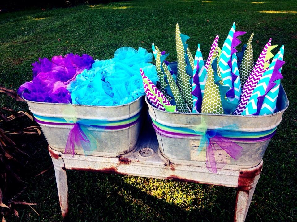 Girl Dinosaur Party Tutus Amp Tails Diy Tail Party Favors