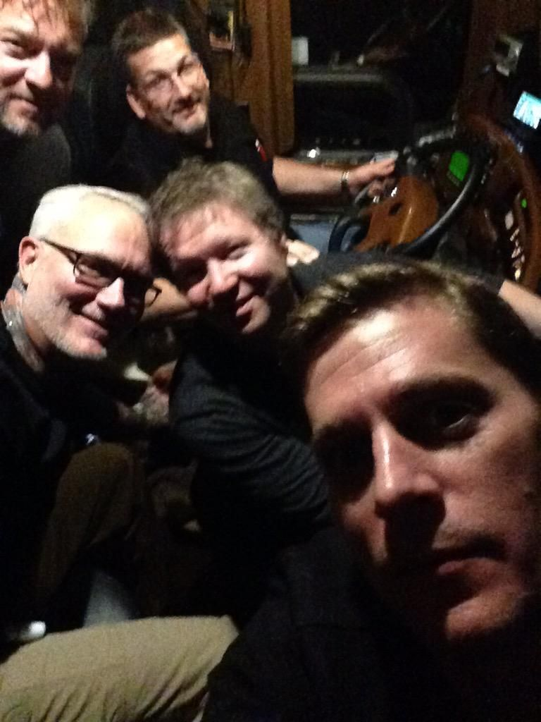 "Rob Thomas on Twitter: ""Bus hang. @mattymay @kingwolf72 @lourizzo http://t.co/SHuBSRfyrs"""