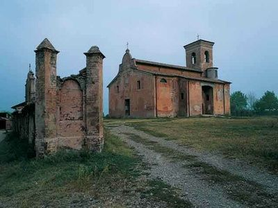 Buildings of Worship Location Rural | Pieve di San Polo in Caviano {} THE CHURCH OF SAINT PAUL IN CAVIANO, ITALY