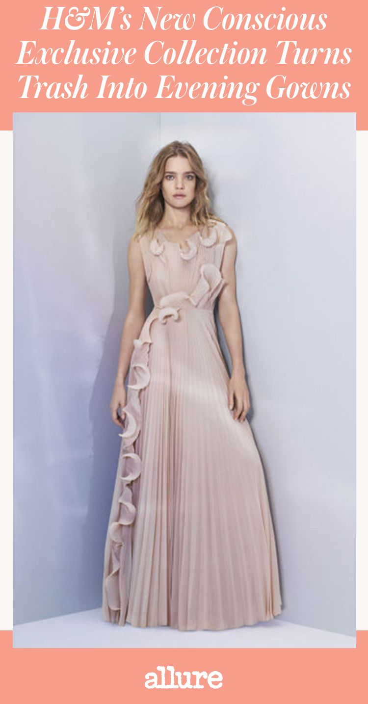 Fans of the Swedish brand's eco-conscious line will know you won't find regular old jeans and basic tees in the lineups. Instead, there are elegantly draped gowns, jacquard coats, and ornate tops worthy of a black-tie event—and the latest offering is certainly no exception.