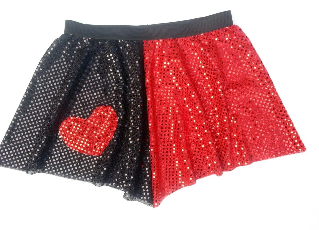 Need A Queen Of Hearts Skirt We Have That Running Skirts Running Costumes Run Disney Costumes