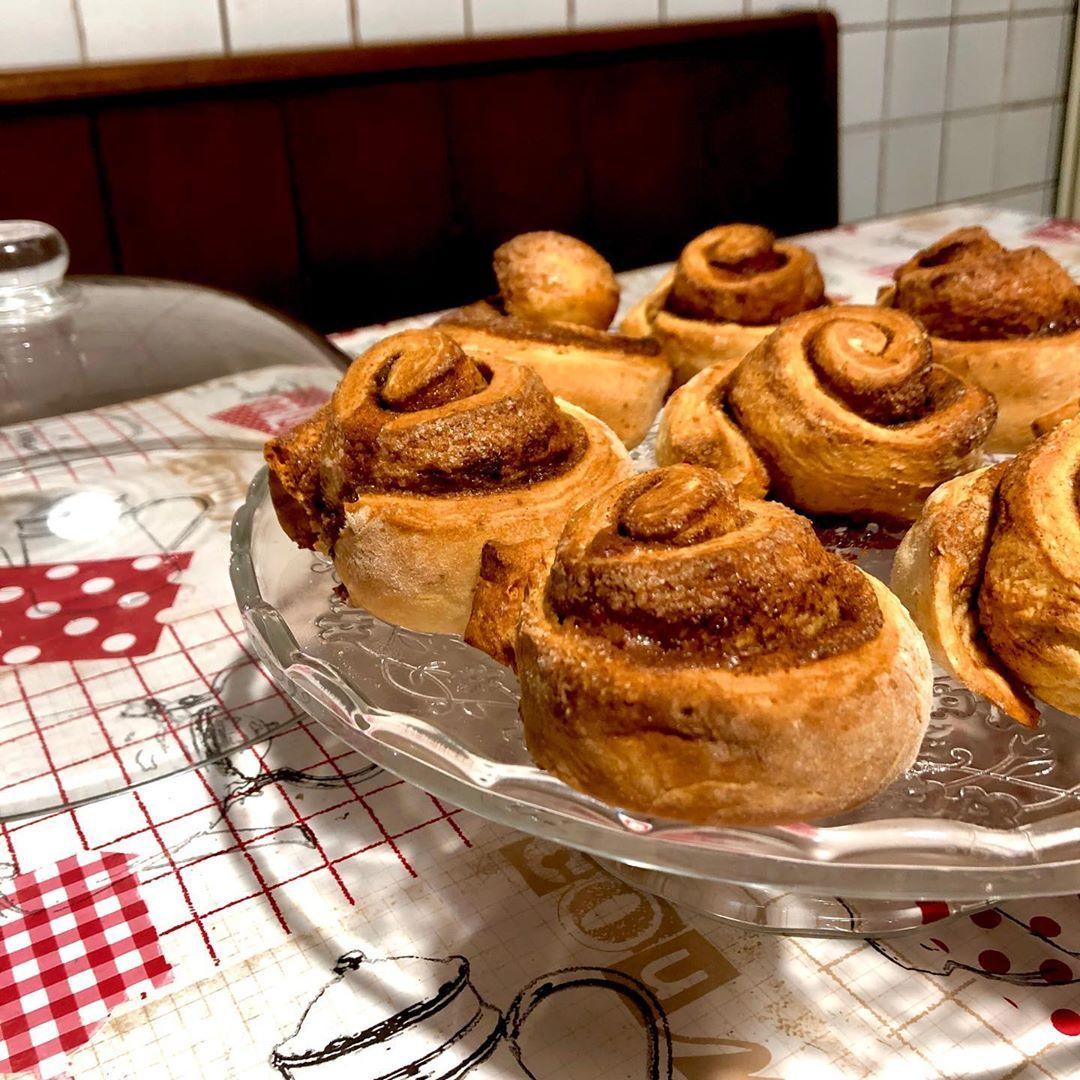 Mi Piace 10 Commenti 0 Due Amiche In Cucina Dolce Leggerezza Su Instagram Cinnamon Rolls Ingredienti 60 G Di Z Cinnamon Rolls Food Breakfast