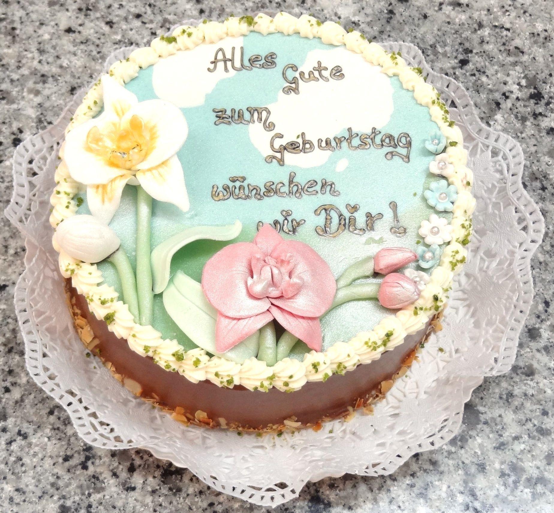 Geburtstagestorte Handgemacht Von Cafe Riese Koln