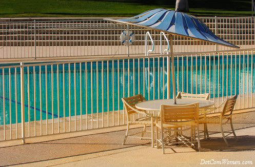 13 neueste und elegante Schmiedeeisen Pool Zaun Ideen - Wohn Design