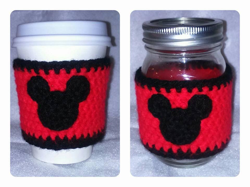 Crochet cozy coffee cup, anillo de tasa de café tejido a crochet. Handmade by LaniKRM. Mickey Mouse design.