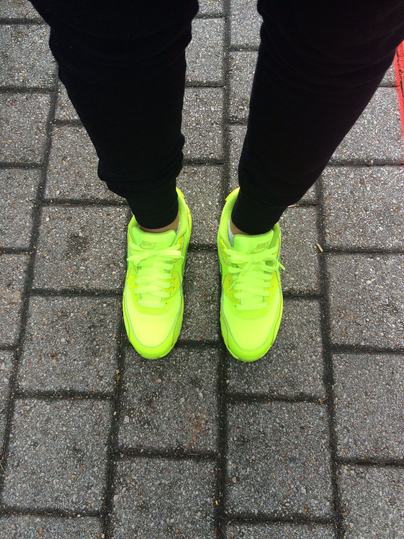 the latest 23b59 62dae Nike air max 90 s green volts. ootd