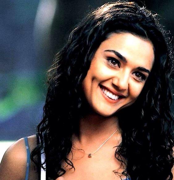 Pin By Sibel Can On Bollywood Preity Zinta Bollywood Stars Bollywood Girls