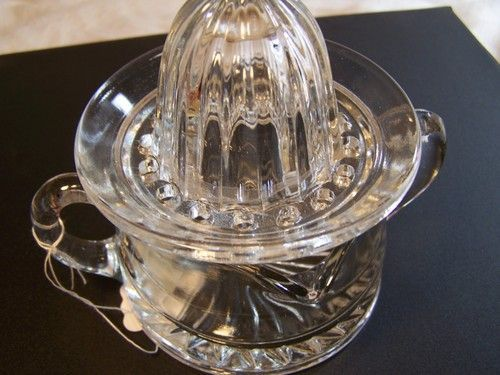 Vintage Juicer Reamer Glware Kitchenwares 2 Pieces Clear Gl Small Ebay Kay S Antiques And Collectibles