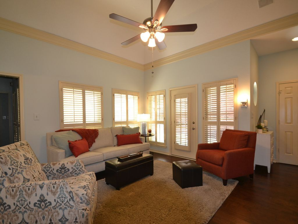 House Vacation Rental In Garland Tx Usa From Vrbo Com Vacation Rental Travel Vrbo Lap Pool House Two Bedroom