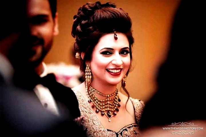 Photos Divyanka Tripathi And Vivek Dahiyas Wedding Reception Hairstyles For Indian Wedding Indian Wedding Hairstyles Indian Wedding Wedding Reception