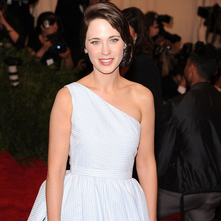 So That's Why Zooey Deschanel Turned Up in Tommy Hilfiger's Dress