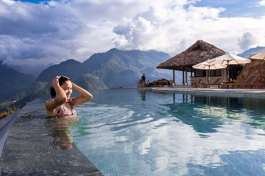 Enjoy swimming pool luxury on the mountain at Sapa.    Photo by New heated pool_0031    #Sapa #Sapaluxurytours #Vietnamtours #vietnamholidays