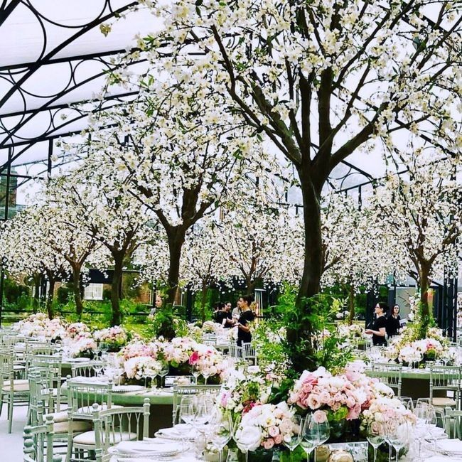Pippa middletons wedding flowers her florist shares pictures of pippa middletons wedding flowers her florist shares pictures of the wedding reception varda who is an art director event and floral designer hailing mightylinksfo