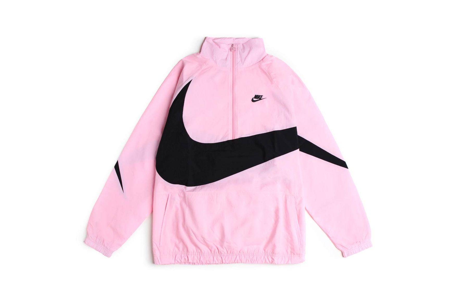 Nike S Swoosh Jacket Set Is A Pink Dream Streetwear Outfit Nike Sportswear Jackets