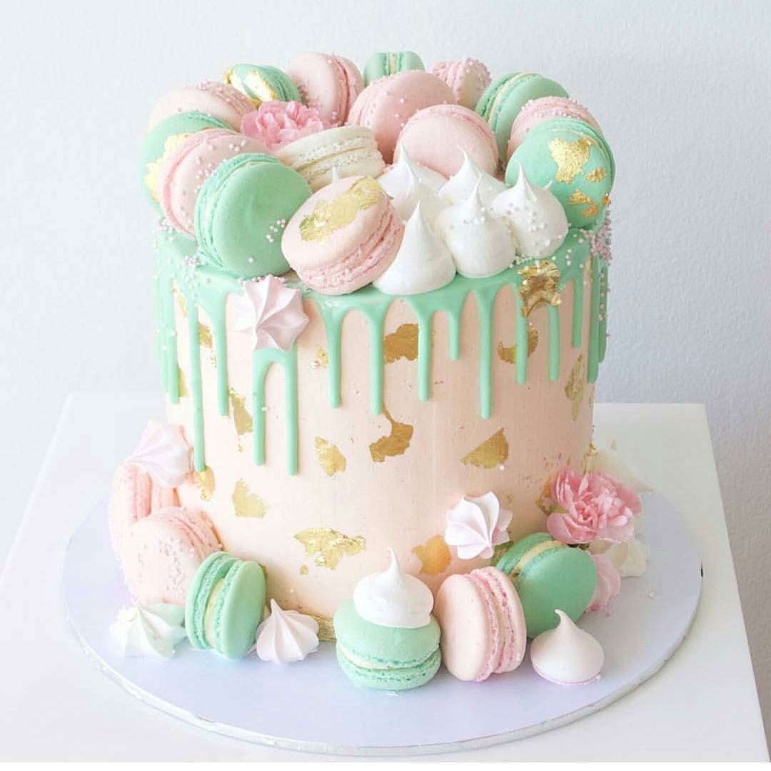 Dessert Table Ideas Inspired By Macaroons Cale Drip Cake