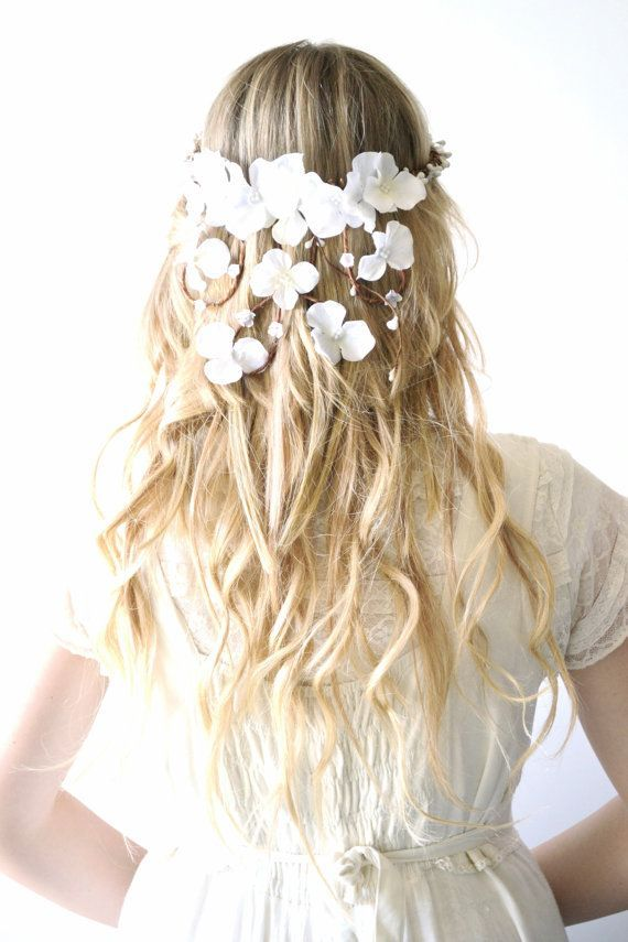 Bridal crown flower head wreath wedding hair от hazelfaire на Etsy #flowerheadwreaths Bridal crown flower head wreath wedding hair от hazelfaire на Etsy #flowerheadwreaths