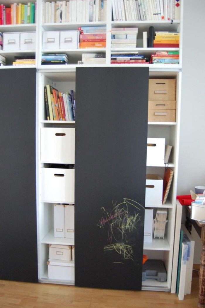 wie praktisch ikea schrank mit schiebet ren und tafelfarbe tolle ideen mit tafelfarbe. Black Bedroom Furniture Sets. Home Design Ideas