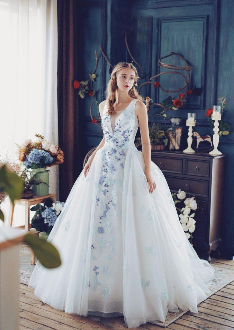20 Romantic Enchanted Wedding Dresses for Modern Brides