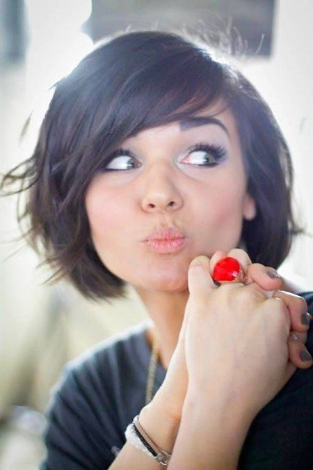 New Short Hairstyle For Girls 2019 2019 Hairstyle Fix Short Hair With Bangs Chin Length Hair Thick Hair Styles